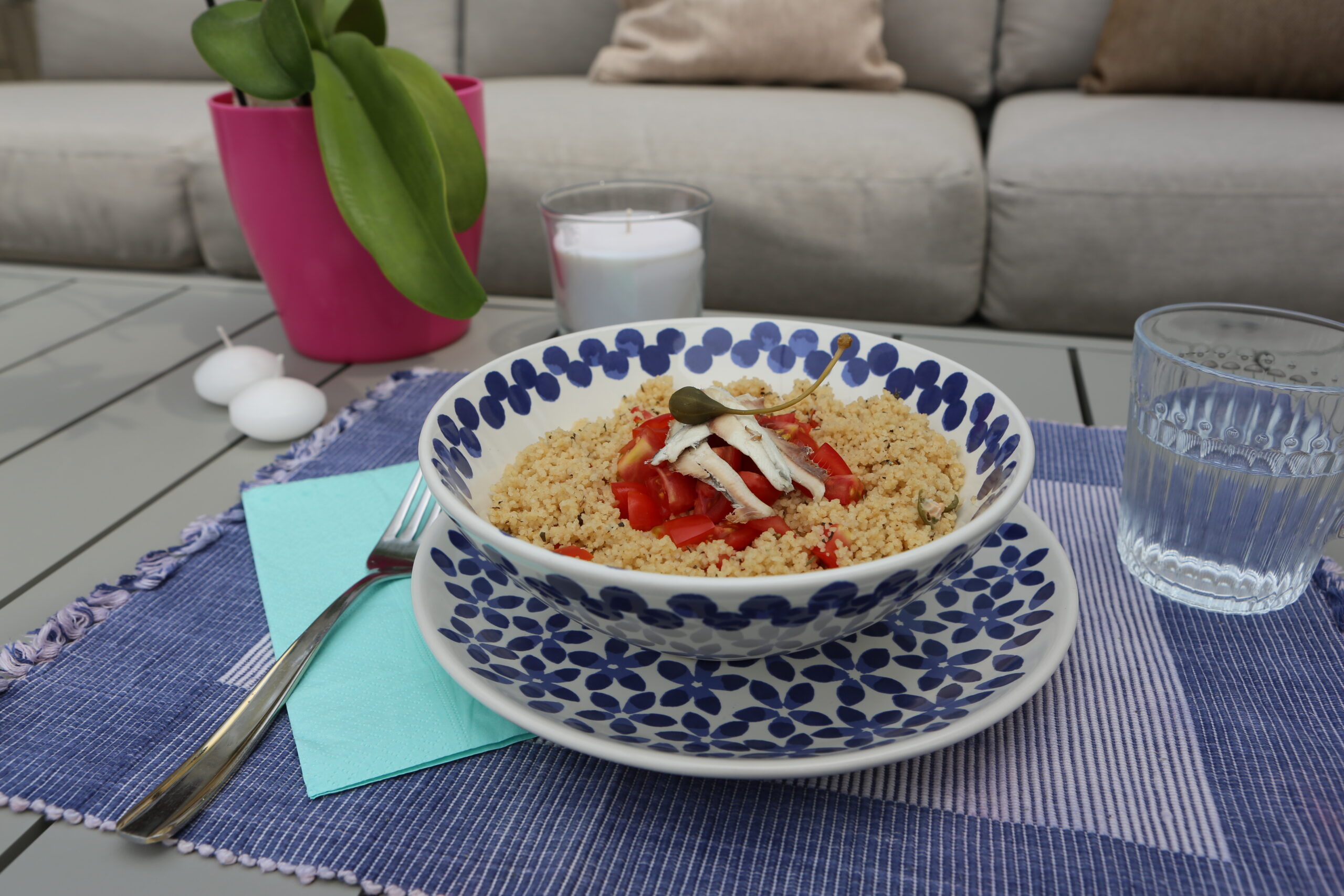 Ricetta del cous-cous con alici, olive, pomodorini e capperi